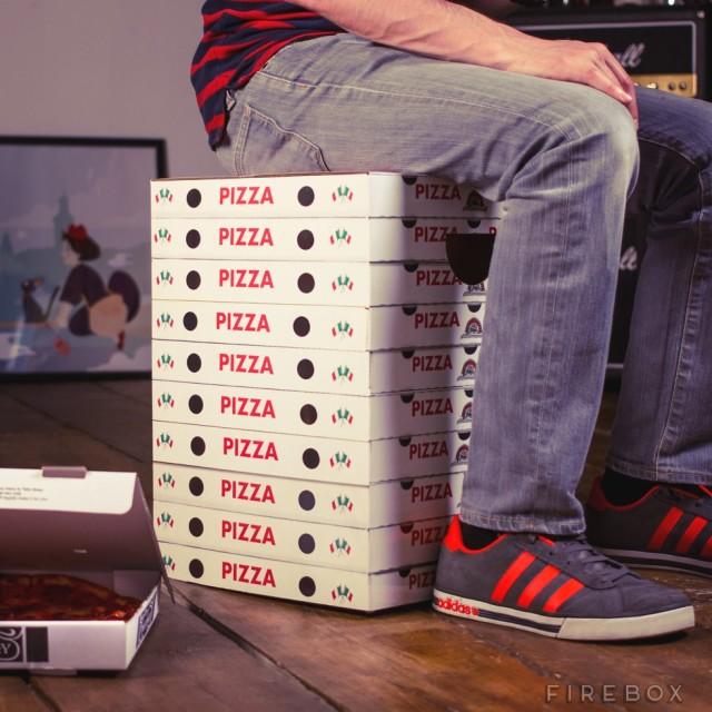 Pizza-Box-Stool-640x640